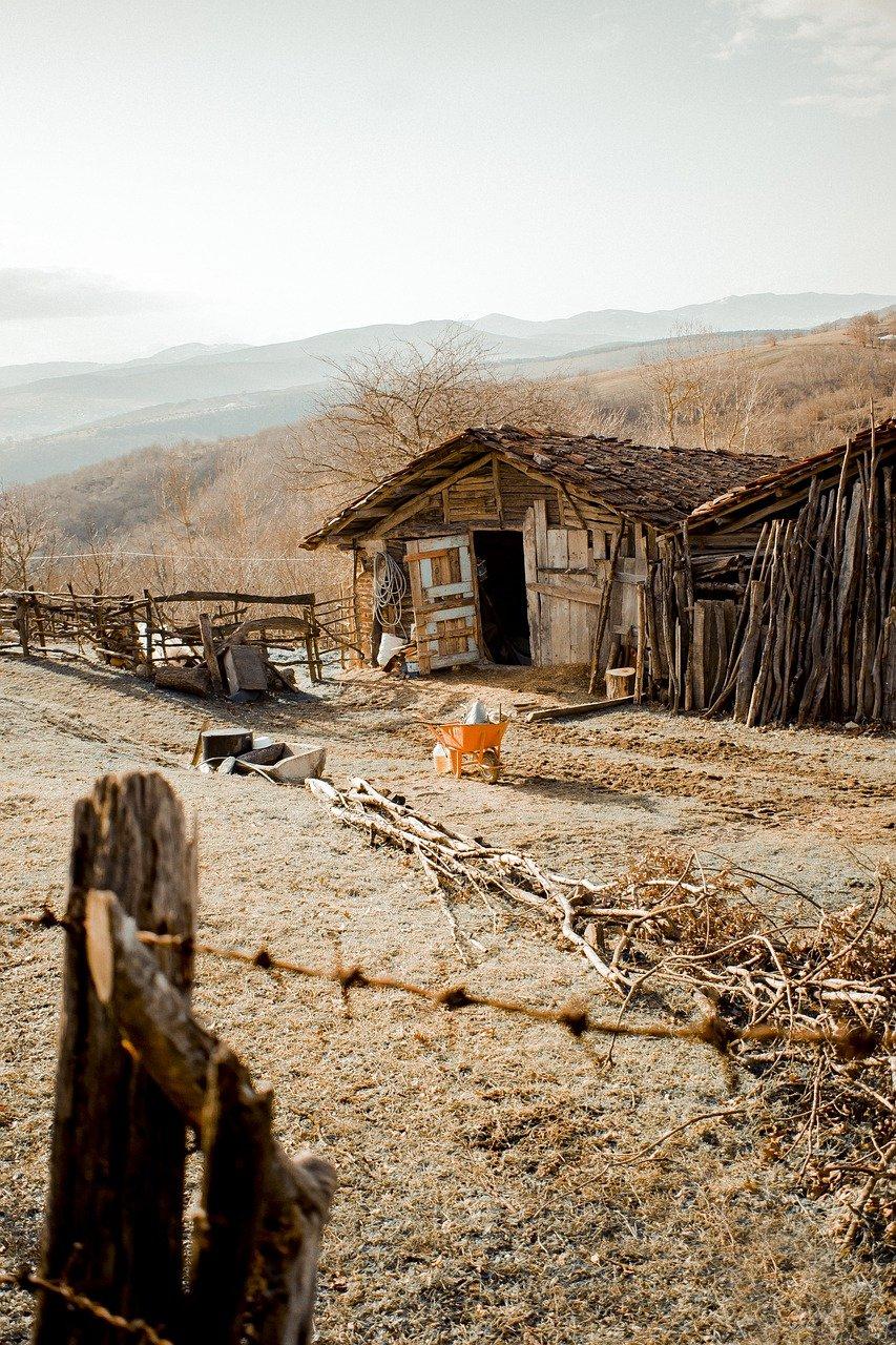 House Home Village Slum Mountain  - grafAkir_aciZz / Pixabay